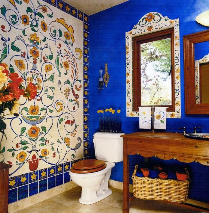 eclectic-bathrooms-with-delightful-blue