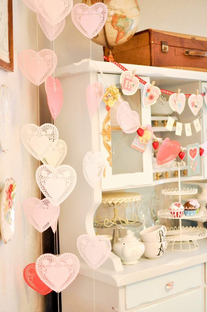 DIY Valentine's Day Heart Decoration