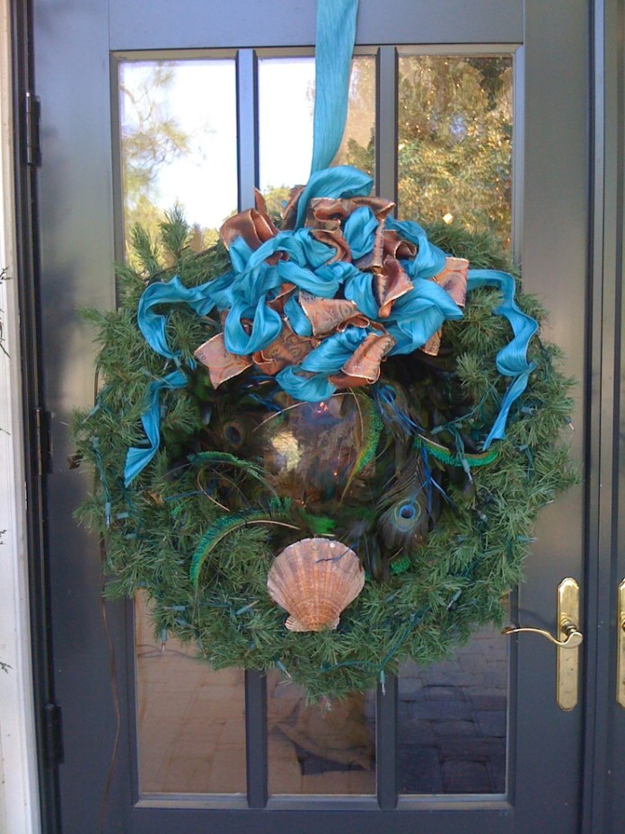 Island Style Entry Wreath Decor