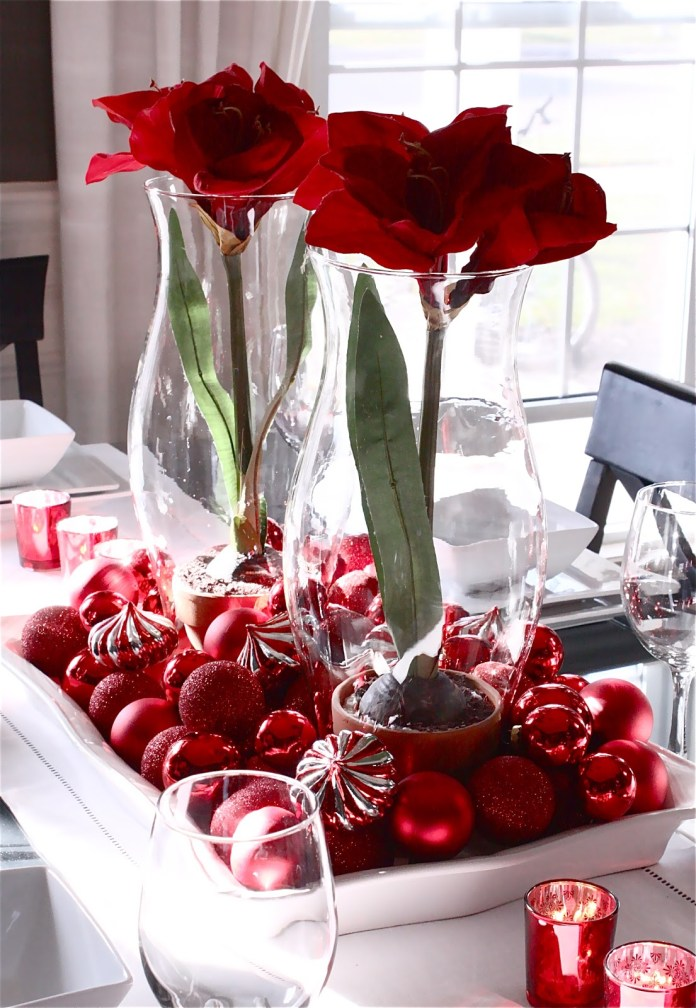Red Christmas Dining Table Centerpiece