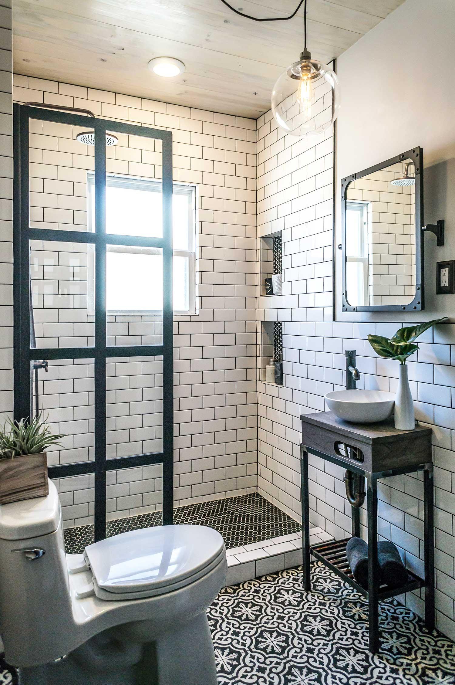 31 Small Bathroom Design Ideas To Get Inspired on Small Bathroom Ideas id=16730