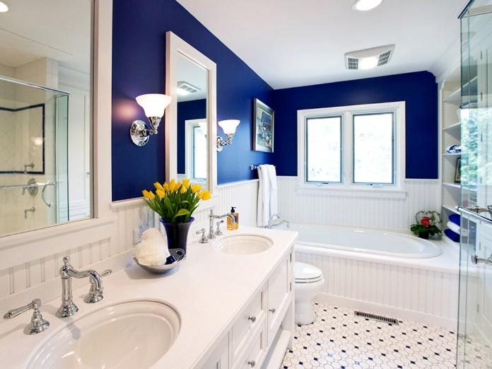 Small Sophisticated Bright Bathroom Design