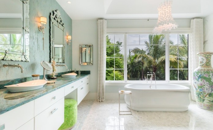 Tropical Bathroom With Multicolored Wall
