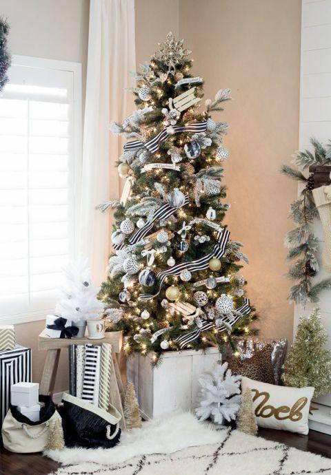 Black and White Christmas Tree Dwellingdecor