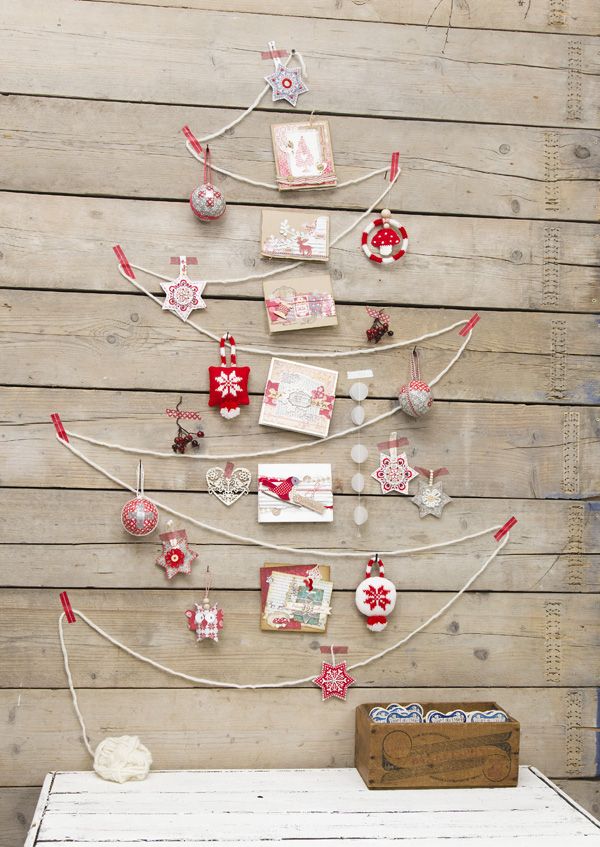 DIY Decorative Dangles Christmas Tree dwellingdecor