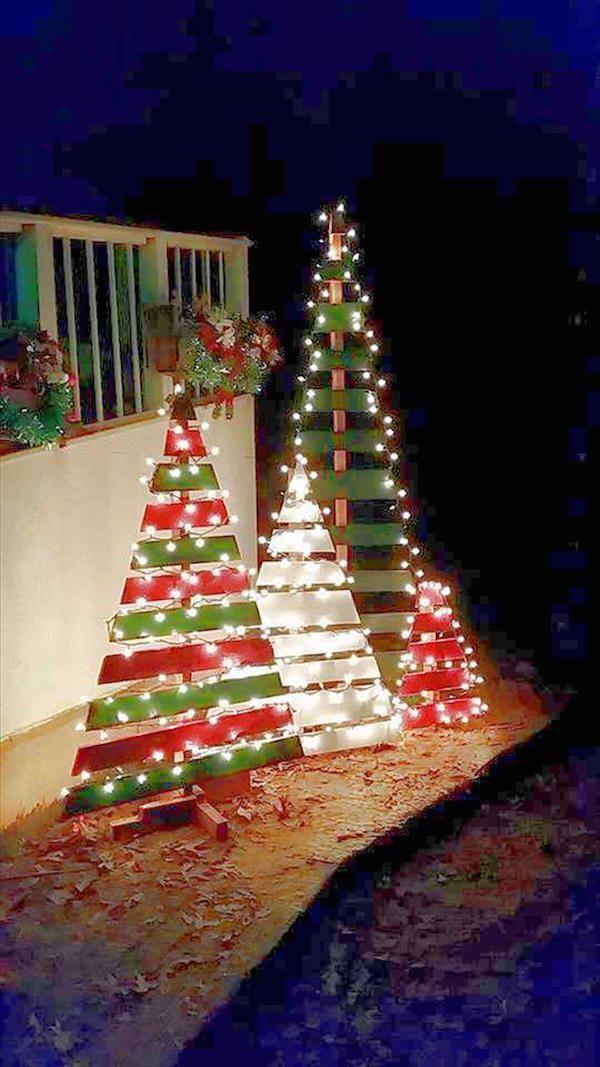 Diy Outdoor Wooden Pallet Christmas Trees Dwellingdecor