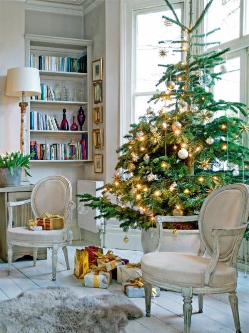 Christmas Living Room Decorations dwellingdecor (13)