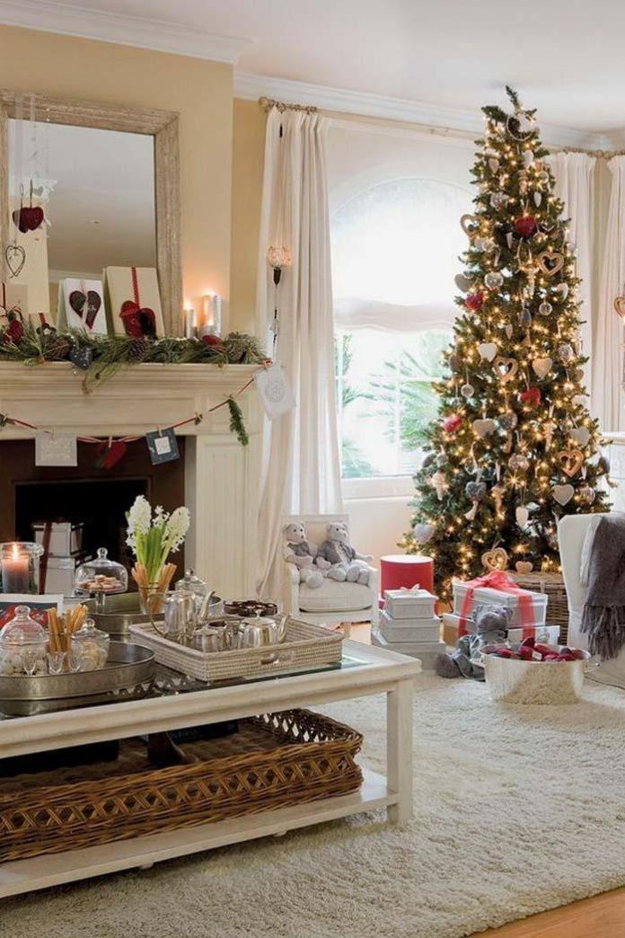 Christmas Living Room Decorations dwellingdecor (5)