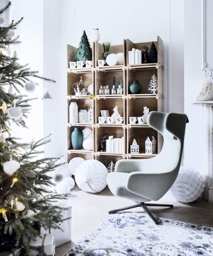 Christmas Living Room Decorations dwellingdecor (9)