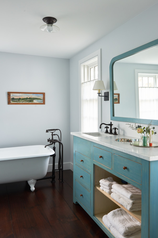 Farmhouse Master Bathroom With dark wood floor & claw-foot bathtub Dwellingdecor
