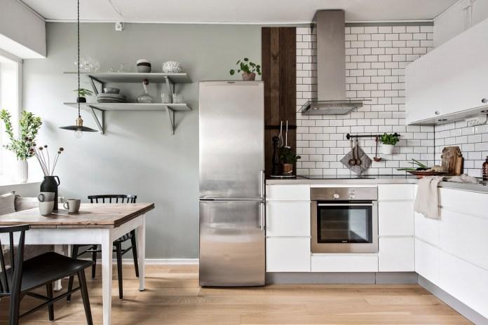 Danish L-shaped Beige Floor Eat-in Kitchen