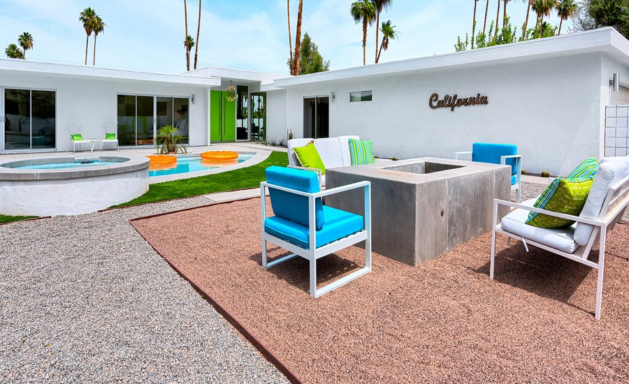 Modern Patio With Desert landscaping Dwellingdecor