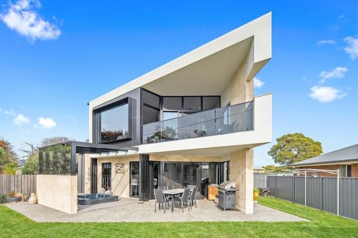 Contemporary Exterior Design (27)