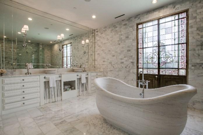 Magnificent Luxury Bathroom
