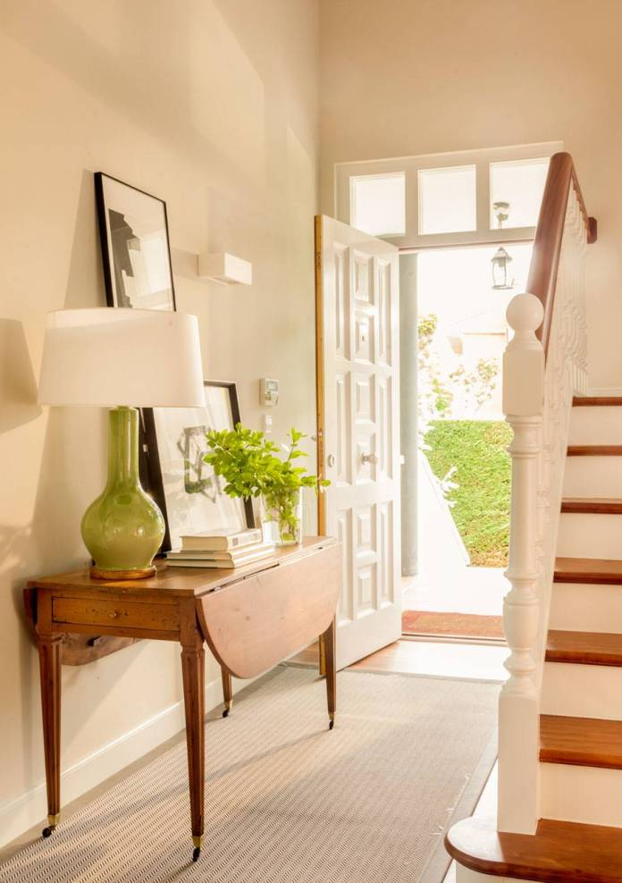 Hallway Decor Ideas17