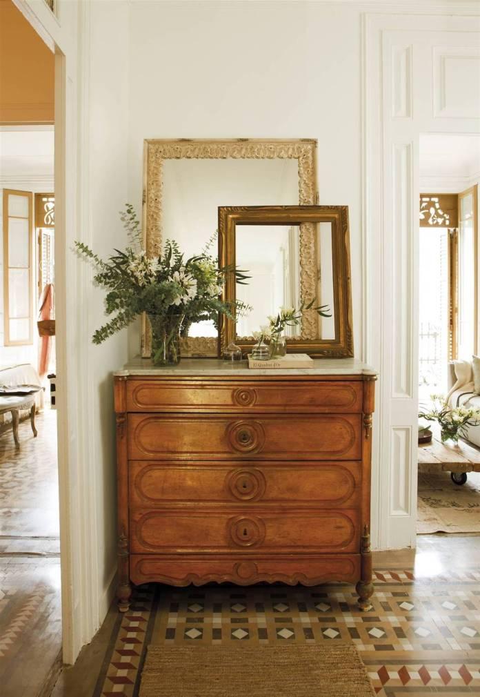 Hallway Decor Ideas21