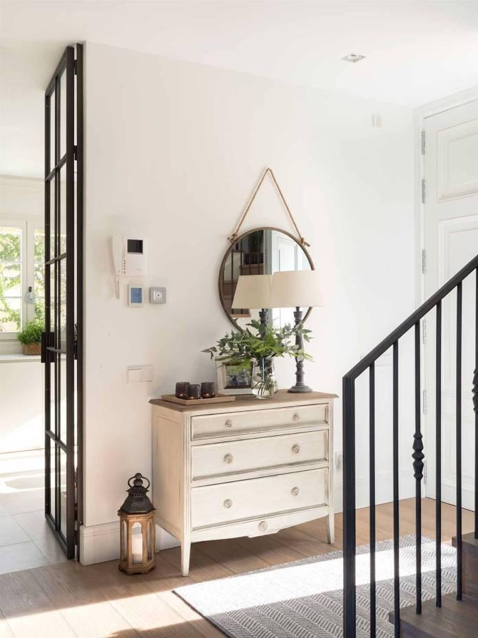 Hallway Decor Ideas26