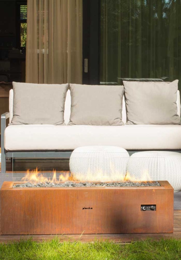 32. If you don't want to attract so much attention, you can choose decorative elements with corten steel.