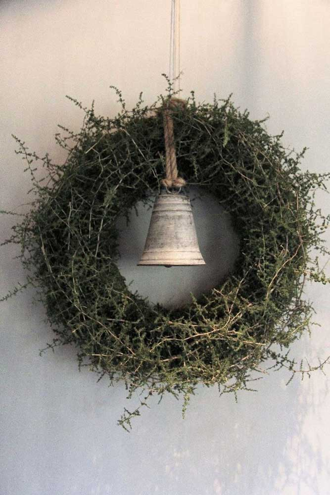 28. Christmas wreath made only from natural leaves and branches.
