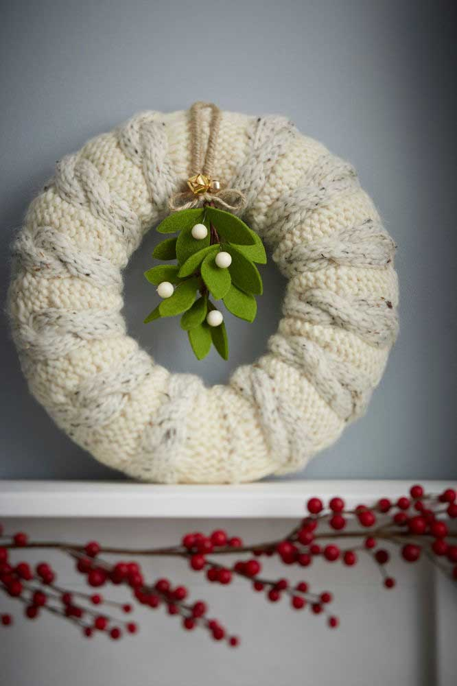 43. Crochet Christmas wreath in a very different pattern.