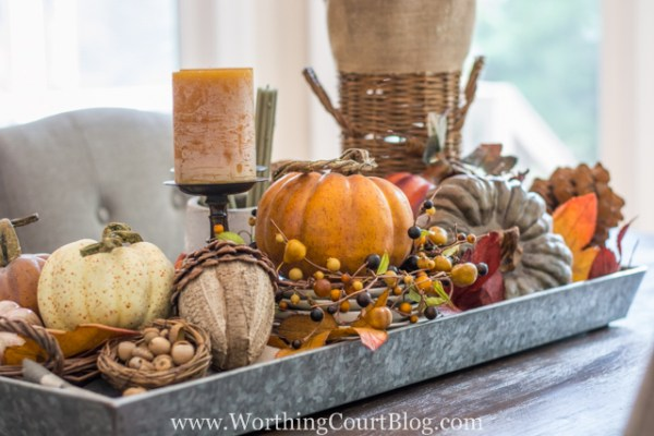 Farmhouse-Fall-Table-Centerpiece-3