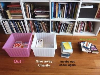 declutter-bookshelf