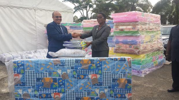 Gabon Télécom offre à la Mairie de Libreville 2000 moustiquaires imprégnées et 300 matelas