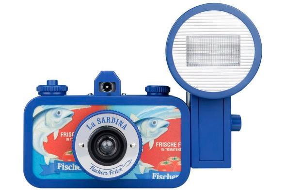 La Sardina, a lata de peixe para fotografia grande-angular 1 - DXFoto