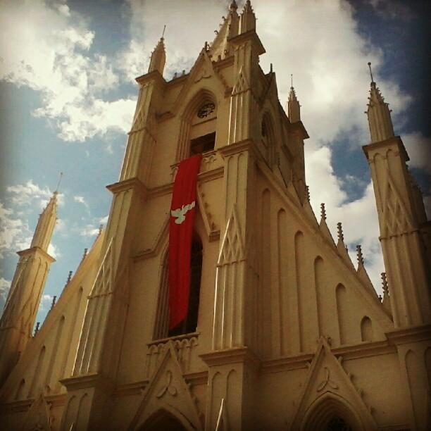 #Local Pça Santa Terezinha, (Igreja Neo-gótica)