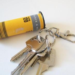 Rolo de filme 120 vira um chaveiro em 10 minutos - Coloque suas chaves