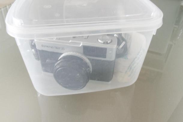 protegendo câmeras com pote de sorvete