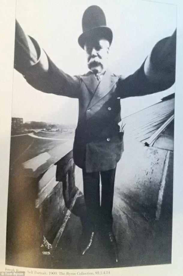 Olha o selfie ai, ou seria autorretrato?