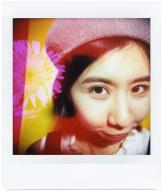 Diana Instant Square_Phyllis Chan_55mm close up_red color gel_wide angle_MX