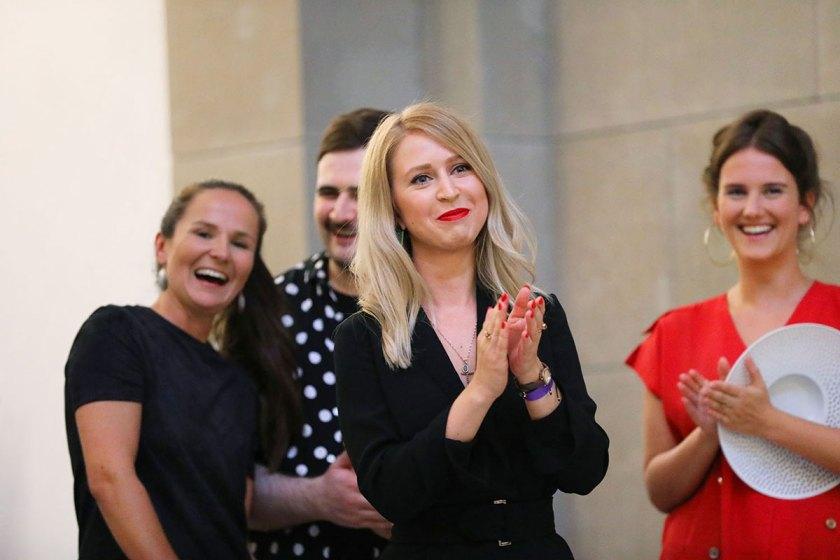 Die Preisträger Hannah Kliewer, Sonja Litichevskaya, Andreas Stang und Lea Schweinfurth während der Preisverleihung. Foto: © Bernhard Ludewig / SDBI
