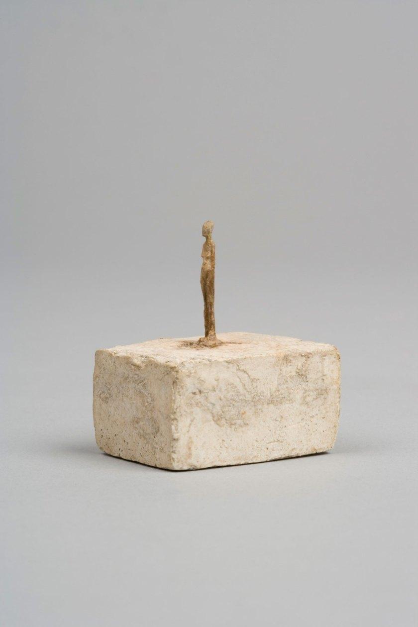 Very Small Figurine c.1937-1939 Collection Fondation Alberto et Annette Giacometti, Paris © Alberto Giacometti Estate, ACS/DACS, 2017