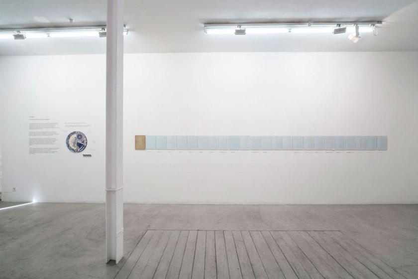 """Vista parcial de su anterior exposición en Travesia Cuatro """"Hambre, un objeto hecho por el hombre"""""""