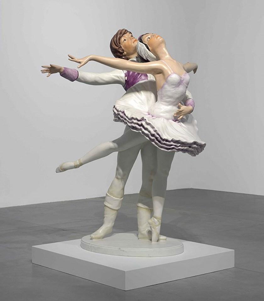 Ballet Couple, 2010–20 Mármol policromado © Jeff Koons Foto: Elad Sarig