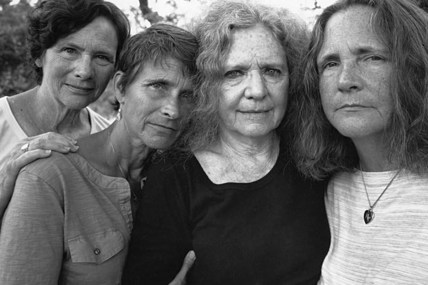 BROWN-SISTERS-Nicholas-Nixon-2015