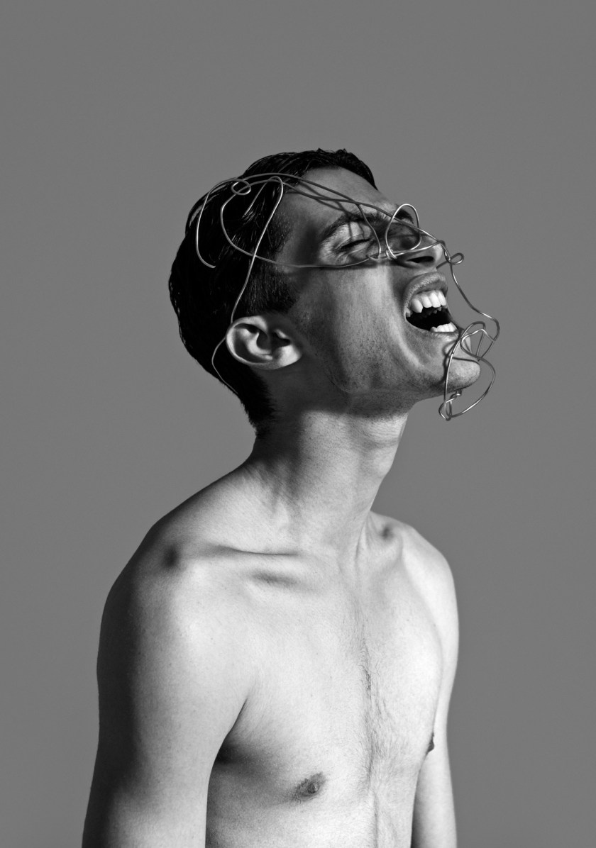 Foto: Vincent Urbani. Concepto & complementos: Claraluna Fortunati. Modelo: Davide Cirinei. Agradecimientos: NID