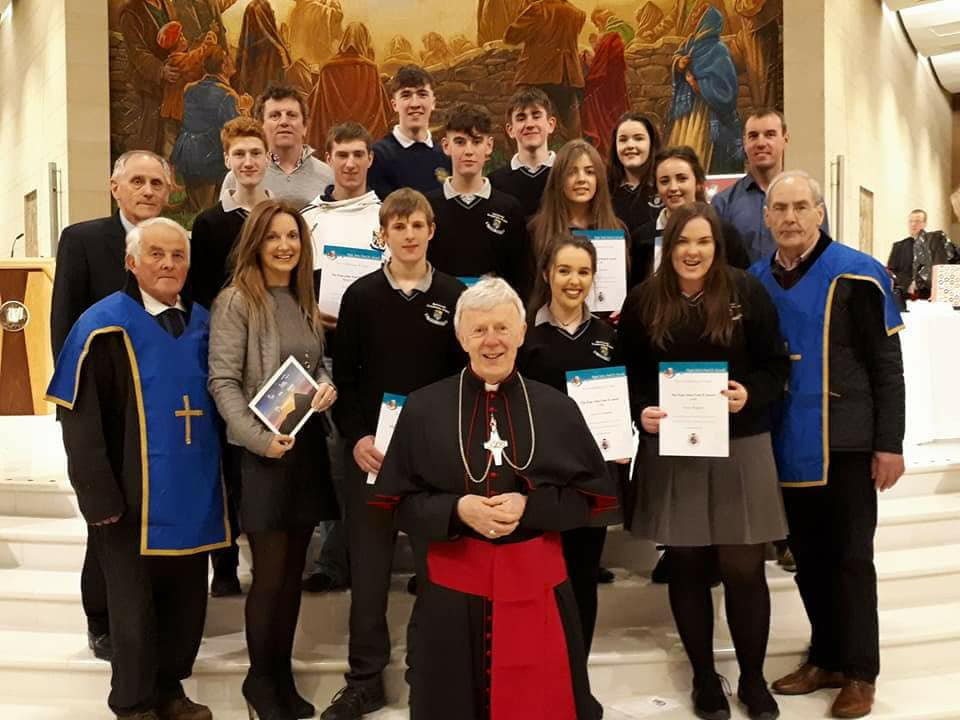 Award-Recipients-and-leaders-from-the-Parish-of-Cong-Cross-and-the-Neale-with-Archbishop-Michael