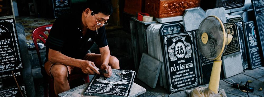 Hanoi Old Quarter - Carving a Plaque