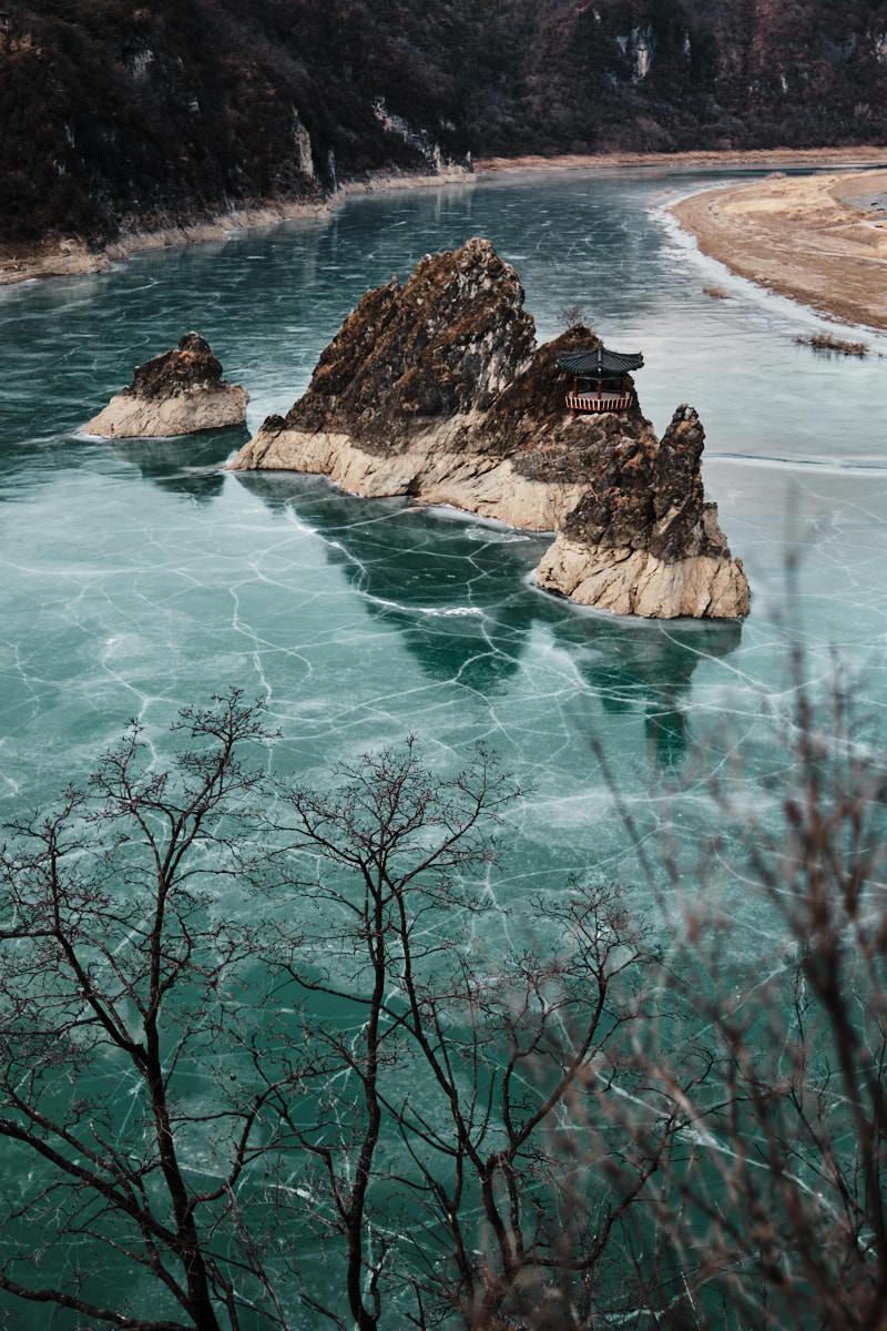 Dodamsambong - Frozen River