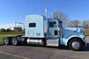 Dynamic's Peterbilt 389s without trailer