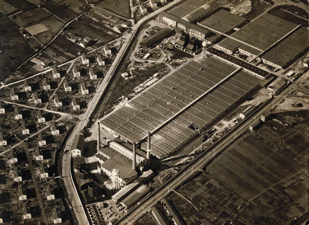 Photo ancienne du site industriel Michelin des Cataroux