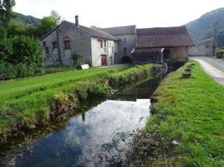 Dans le cadre de la maîtrise d'œuvre de la continuité écologique des rivières Gizia et Sonnette, une photo d'un des moulins