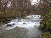 Photo d'un seuil en pierres maçonnées en vue du rétablissement de la continuité écologique