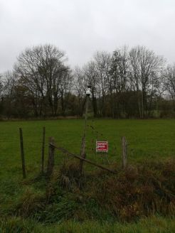 Un champ bien protégé (avec une fausse caméra)