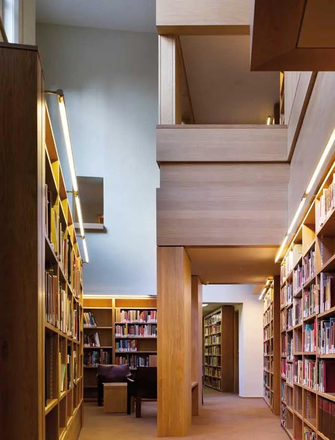 Taylor Library Cambridge Corpus Christi College Building