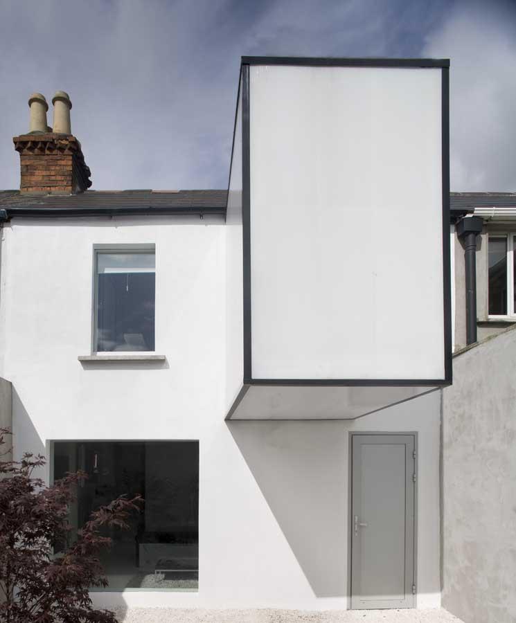 https://i1.wp.com/www.e-architect.co.uk/images/jpgs/dublin/plastic_house_a050810_8.jpg