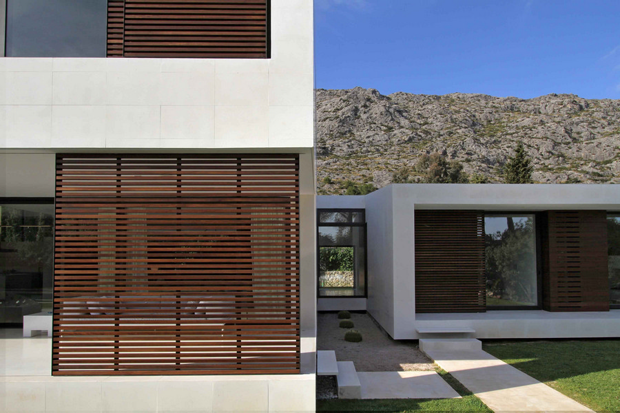 https://i1.wp.com/www.e-architect.co.uk/images/jpgs/spain/casa-bauza-m200813-ml4.jpg